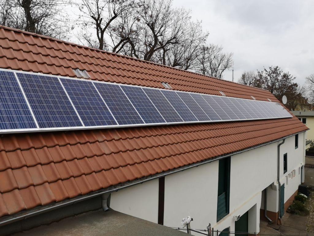 Aufdach-Photovoltaikanlage